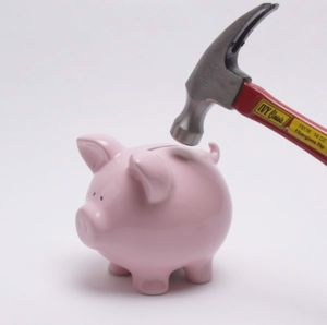 hammer-smash-piggy-bank.JPG?1296470739